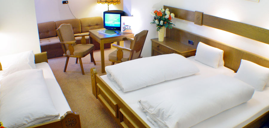 Austria_Westendorf_Hotel-Briem_Bedroom3.jpg